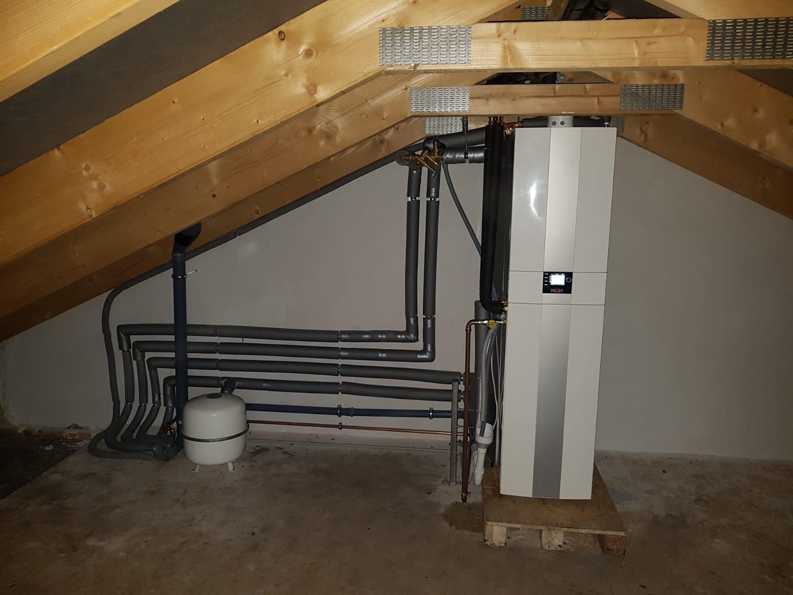 doppelhaus_bad_bramstedt_2_heizungsanlage_solaranlage_badinstallation